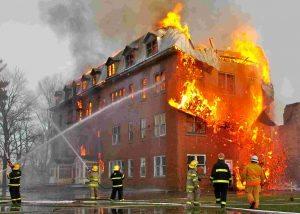 انفجار منزل مسکونی در نیمه شب رعب و وحشت اهالی محل را در بر داشت