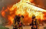 نجات ۴۰ شهروند از میان دود و آتش