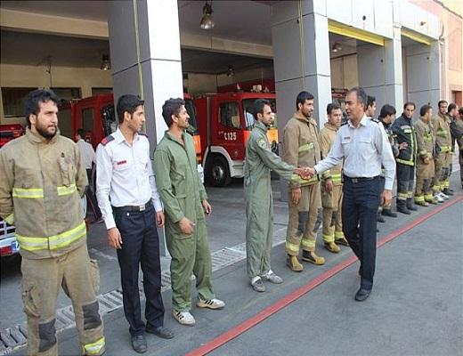 بازدید معاون عملیات سازمان آتش نشانی پایتخت از ایستگاه ۷۱