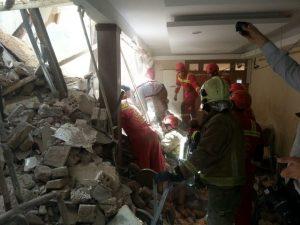 ریزش ساختمان 4 طبقه قدیمی در گیشا