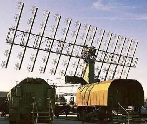 نمایش گوشه ای از توانمندیهای قرارگاه پدافند هوایی خاتم الانبیا(ص) در رژه روز ارتش
