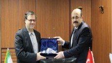 یک سوم تولیدات علمی کشور در وزارت بهداشت پی گیری می شود/لزوم برنامه ریزی برای همکاری ایران و ترکیه در زمینه