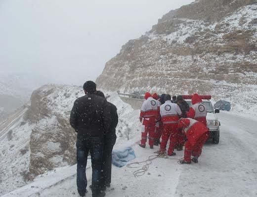 امدادرسانی به شهروندان گرفتار در برف و کولاک ۲۰ استان