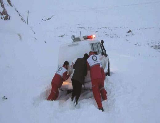 ۱۷ استان متاثر از برف و کولاک و اسکان اضطراری ۶۵۰ تن