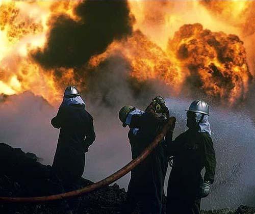 بیش از ۳۰ تن چوب خشک در آتش سوخت