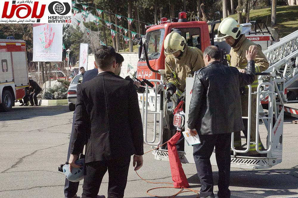 بررسی مزایای قرقره نجات خودکاردر یک مانور در نخستین همایش ملی آتش نشانی و ایمنی شهری