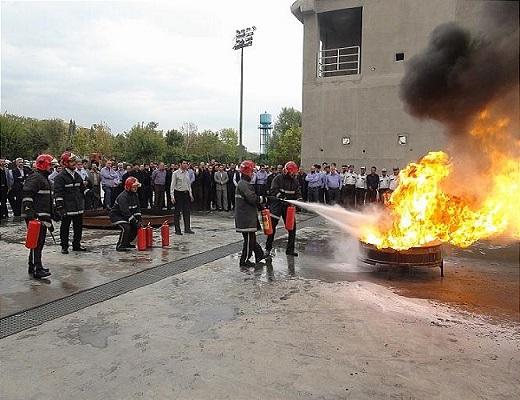 شرکت کارکنان حراست شهرداری در دوره آموزشی یک روزه اطفاء حریق