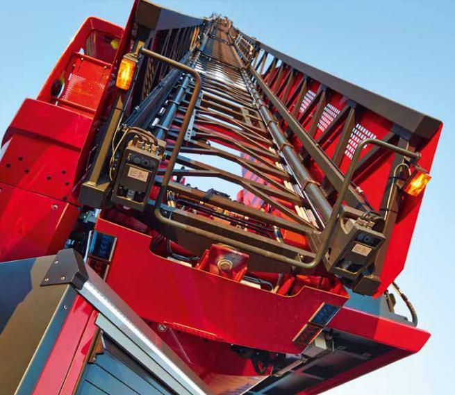 نردبان استاندارد آتش نشانی