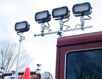یکی از سیستم های روشنایی کم مصرف نصب شده بر روی خودروی آتش نشانی