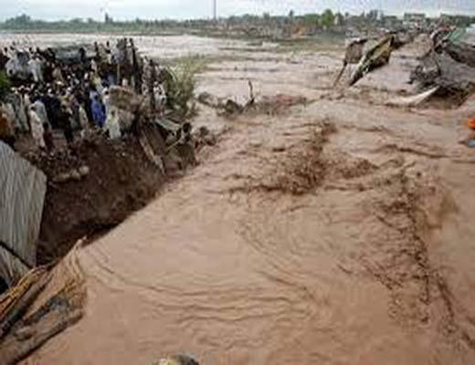 فوت ۳۰ پاکستانی بر اثر وقوع سیل