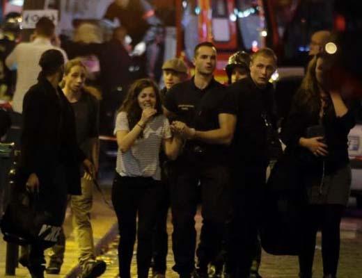 داعش مسئولیت حملات تروریستی پاریس را به عهده گرفت، ۳۵۰ کشته و زخمی + عکس