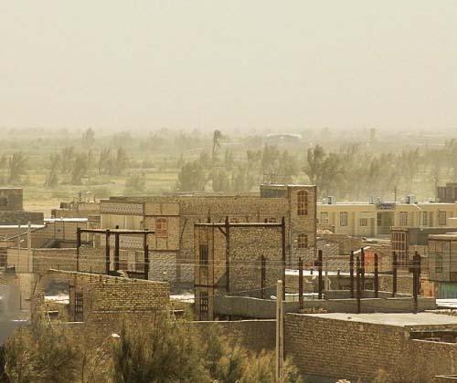 بخشی از تالاب نظرآباد به کانون ریزگرد تبدیل شده است