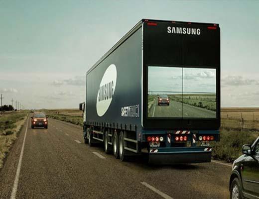 سامسونگ پشت کامیونها را به نمایشگرهای غول پیکر مجهز میکند