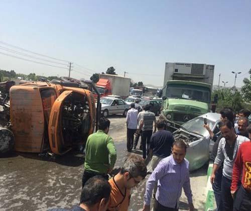 ۱۷ مصدوم حاصل برخورد زنجیرهای ۹ خودرو در سوادکوه