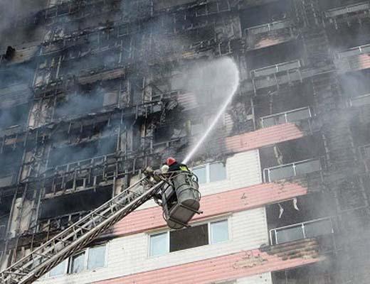 مهار آتش در برج طاووس منطقه آزاد انزلی