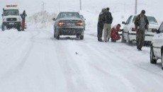 برف 150 ماشين را گرفتار كرد