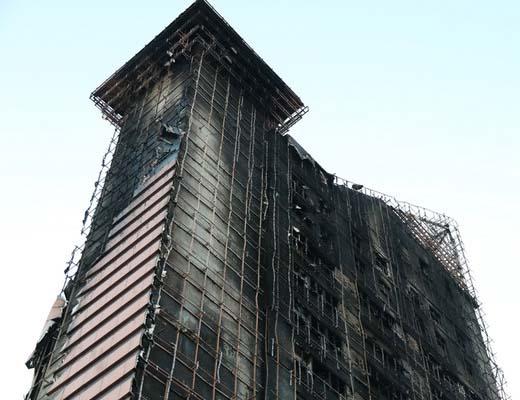 ۱۱ مصدوم در آتش سوزی برج سلمان و مصدومیت آتش نشانان