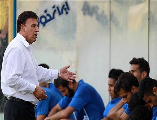مظلومی: بازیکنان به تمرین میآیند/ من در جبهه استقلالم نه مدیر و بازیکن