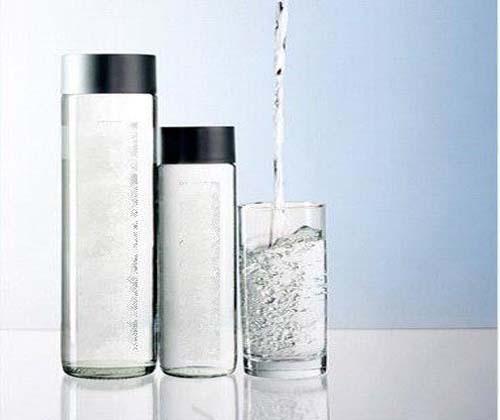 آب آشامیدنی قاچاق هم آمد/هر بطری ۷۰ هزار تومان!