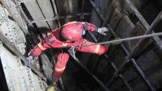 سقوط کارگر به عمق 25 متری چاه