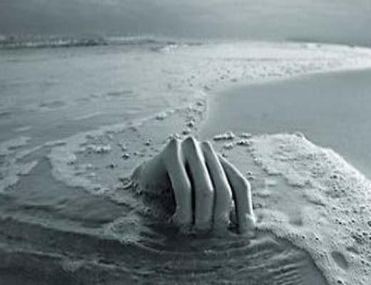 آب تنی در زاینده رود حادثه آفرید