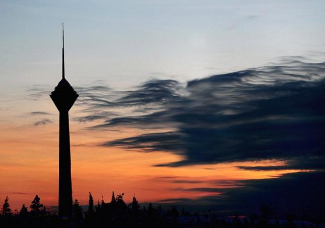 آتس سوزی در برج میلاد حقیقت ندارد