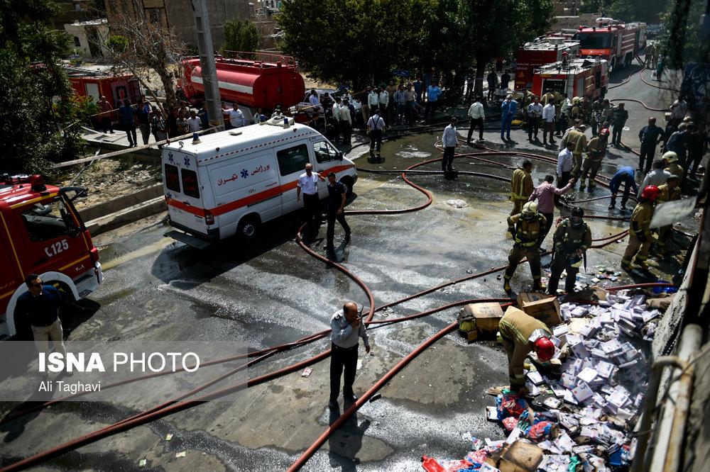 آتش سوزی در انبار مواد آرایشی و بهداشتی