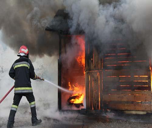 آتش سوزی کارگاه تولیدی و مصدومیت دو کارگر سمنانی