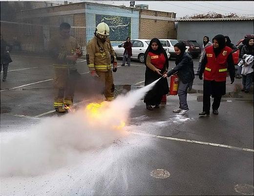 برگزاری کلاس های آموزشی اصول ایمنی و آتش نشانی